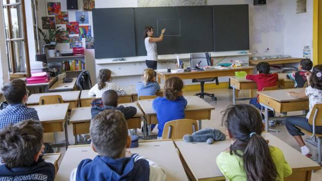 Der Schulunterricht während der Umbauzeit bedeutet eine erhebliche organisatorische Herausforderung.(Symbolbild).