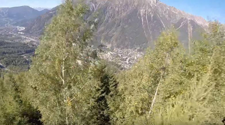 Vor kurzem hat Dossantos das Video seiner Helmkamera veröffentlicht – er hofft, damit andere Wingsuit-Flieger vor den Fehlern zu bewahren, die er gemacht hat.