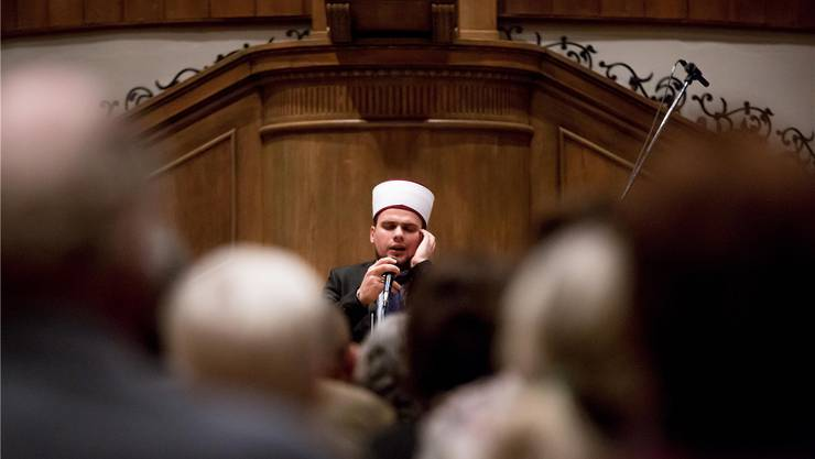 Auftritt von Imam Ademi aus Mazedonien in der reformierten Zwinglikirche.