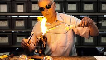 Glasbläser Werner Rahm: «Ich produziere nicht maschinell. Das sind alles Spezialanfertigungen.»