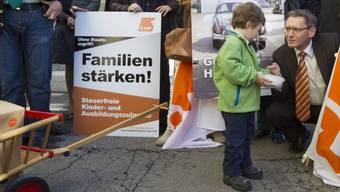 Die CVP bei der Einreichung ihrer Familieninitiative im Jahr 2012