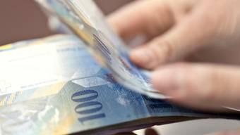 Für den hohen Bargeld-Betrag hatte der Mann eine triftige Erklärung: Er ist glücklicher Erbe von 70 bis 90 Millionen Franken (Symbolbild).