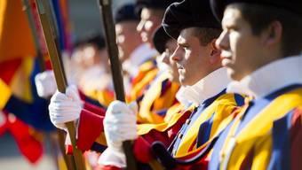 Die Schweizergarde wurde 1970 als einzige Päpstliche Garde nicht abgeschafft. Dies war auch der Verdients Robert Nünlists.