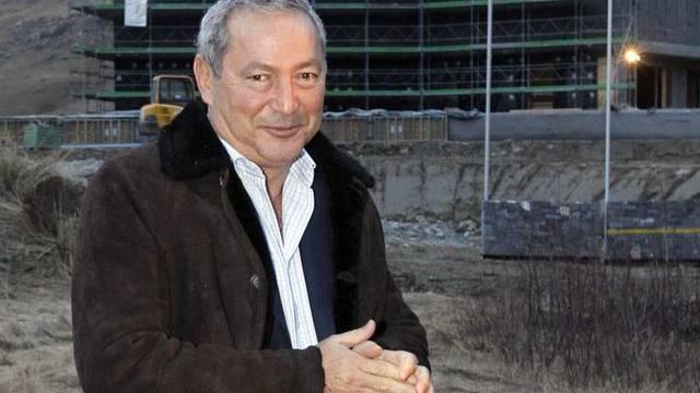 Samih Sawiris vor einem Baubprojekt in Andermatt (Archiv)
