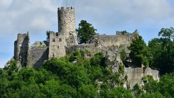 Die Ruine Neu-Falkenstein wacht über Balsthal.