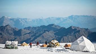 Der Grand Combin im Wallis gehört zu den höchsten Bergen der Schweiz. Einen von der Schmelze unversehrten Eisbohrkern konnte das Forschungsteam ihm jedoch nicht entnehmen.