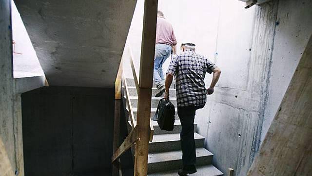 Kontrolle auf einer Baustelle (Symbolbild)