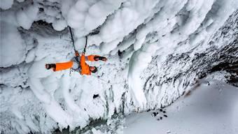 Eisklettern (hier in Kanada) ist eine der grossen Leidenschaften des Urners.