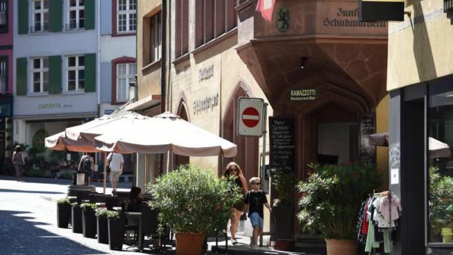 Die von der Gastrofirma Berest geführte Pizzeria Ramazzotti muss Kontrollkosten zahlen. Nun geht die Firma gegen den Kanton vor Gericht. Foto: Juri Junkov