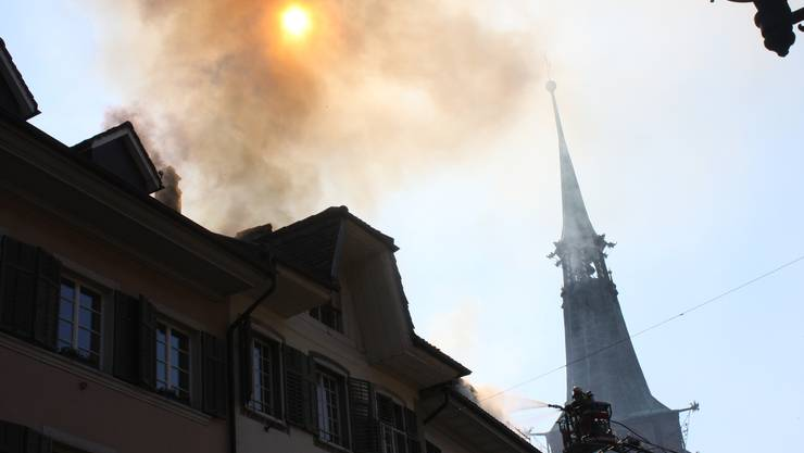 Bei solchem Rauch sollte die Feuerwehr sofort alarmiert werden