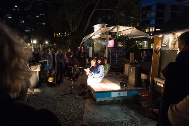 Dominic Oppliger eröffnet FLOW mit der eigens geschriebenen Thermalgeschichte