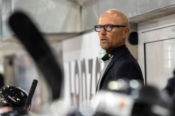 Das Team von Trainer Matti Alatalo holt sich die drei Punkte gegen einen desolaten EHC Olten.