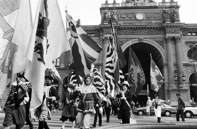 Damals marschierten sie vom Hauptbahnhof in ihr Quartier auf dem Lindenhof.