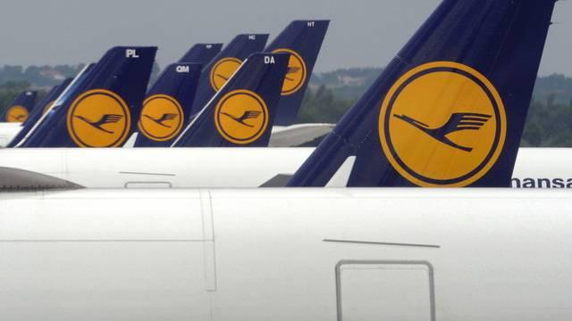 Lufthansa-Maschinen in München: Die Fluggesellschaft muss im ersten Quartal einen Verlust hinnehmen (Archiv)