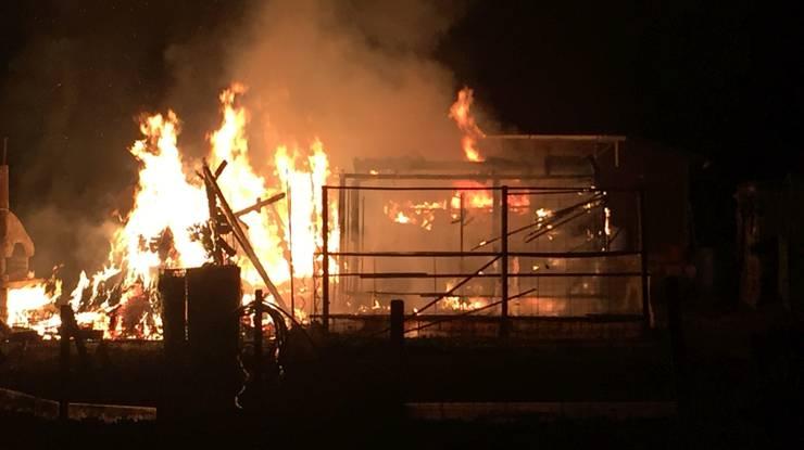 Vom Brand komplett zerstört: Die Feuerwehr konnte den Totalschaden nicht verhindern.