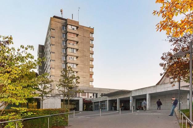 Mit rund 950 Mitarbeitenden stellt das GZO Spital Wetzikon gemäss eigenen Angaben die erweiterte medizinische Grundversorgung von jährlich über 55'000 Patientinnen und Patienten aus dem Zürcher Oberland sicher. In Vorbereitung ist eine Fusion mit dem Spital in Uster.