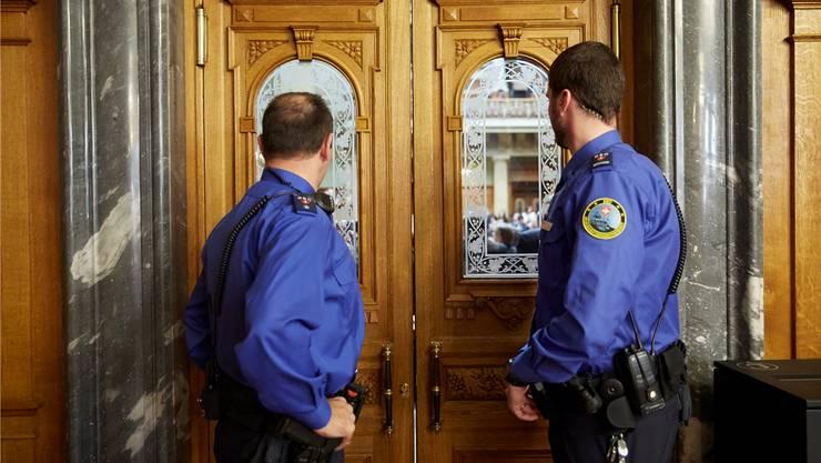 Der Bundessicherheitsdienst erhält neue Arbeitskollegen: Securitas zieht ins Bundeshaus ein.