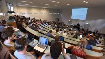 Uni Basel verzichtet auf Erhöhung der Studiengebühren