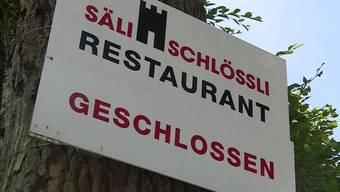 Das Restaurant Säli-Schlössli ist schön oberhalb von Olten gelegen und die Aussicht lädt zum Verweilen ein. Man könnte jedoch meinen, dass ein Fluch darauf liegt. Seit geraumer Zeit steht die Lokalität leer. Trotz tiefer Miete scheint es unverpachtbar.