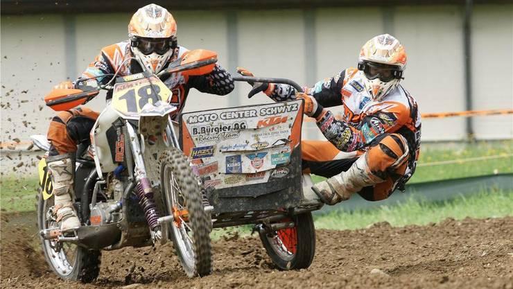 Als Linksausleger-Duo in Roggenburg eher im Nachteil: Die Innerschweizer Andy Bürgler (links) und sein Beifahrer Martin Betschart. ZVG