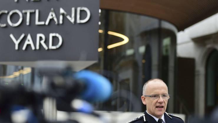 Mark Rowley, Anti-Terror-Chef bei Scotland Yard, spricht am Freitag in London zu den Medien.