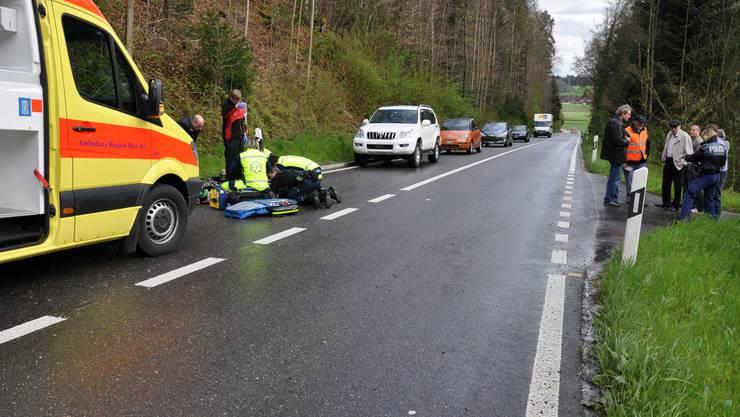 Bei einem Unfall am Dienstagabend verletzte sich in Schnottwil ein Rollerfahr schwer.