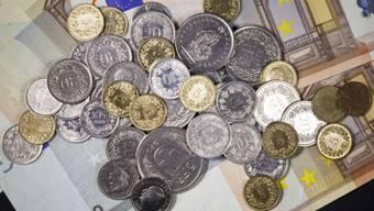 Den Hauptgrund für den schwachen Jahresauftakt wird in der abgeschwächten Auslandnachfrage geordet - eine direkte Folge der Aufhebung der Wechselkursuntergrenze gegenüber dem Euro von Mitte Januar.