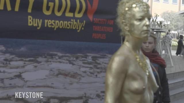 Nackt-Protestaktion vor der Baselworld