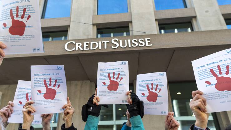 Klimaaktivisten gegen Banken: In einem aktuellen Rating von Klimastreik Schweiz schneiden vor allem Grossbanken schlecht ab. (Symbolbild)