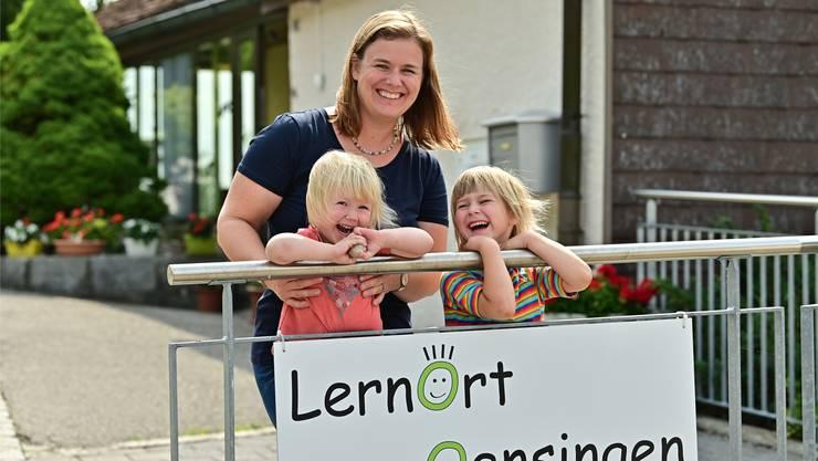 Larissa Stieger: Seit sie selber Kinder hat, hat sich ihr Verhältnis zum Schulsystem verändert. Nun eröffnet sie ihre eigene Schule.