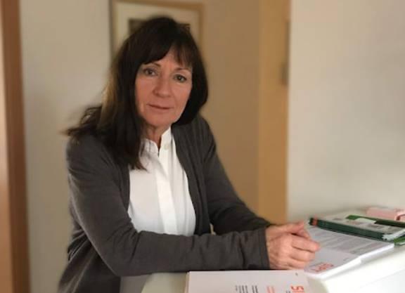 Rosmarie Barwinski (hier in ihrer Praxis in Winterthur) ist seit dreissig Jahren als Psychoanalytikerin und Psychotherapeutin tätig. Sie leitet das Schweizer Institut für Psychotraumatologie in Winterthur. An der Universität Köln unterrichtet sie als Privatdozentin.
