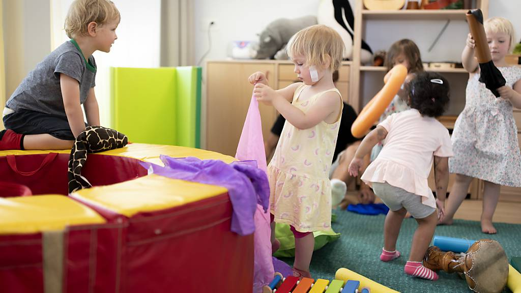 Graubünden regelt Finanzierung der Kinderbetreuung neu