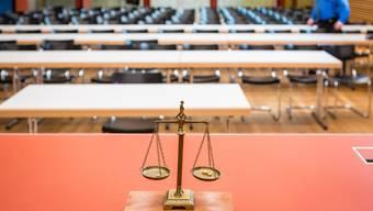 So sieht es im Gerichtssaal bei der Mobilen Einsatzpolizei in Schafisheim aus
