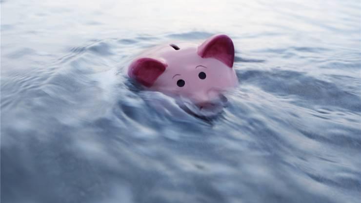 Da säuft das Sparsäuli ab: Bei Null Prozent Zins macht das klassische Sparen wenig Sinn.Getty Images