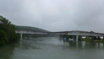 Die BSG muss auf schöneres Wetter warten. Beim derzeitigen Wasserstand kommen die Schiffe nicht unter jeder Brücke durch.