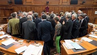 Ritual am Ende jeder Session: Die Damen und Herren Ständeräte verabschieden sich voneinander – nach gerade einmal 15 Minuten.Gian Ehrenzeller/keystone