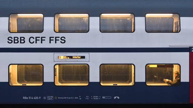Wegen einer Rauchentwicklung haben am Mittwoch die Passagiere eines Interregio in Sempach-Neuenkirch den Zug verlassen müssen. (Symbolbild/Archiv)