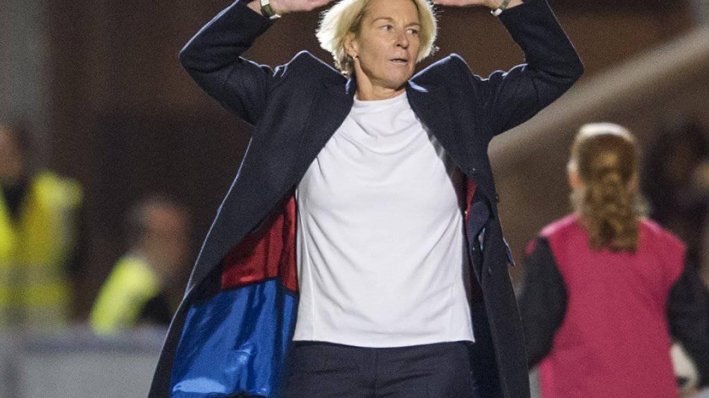 Die nach der Qualifikations-Kampagne scheidende Nationaltrainerin Martina Voss-Tecklenburg muss mit der Schweiz in die Overtime