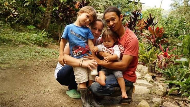 Brigitte Villa mit ihrem Mann Omar und den Kindern Luis und Lily.