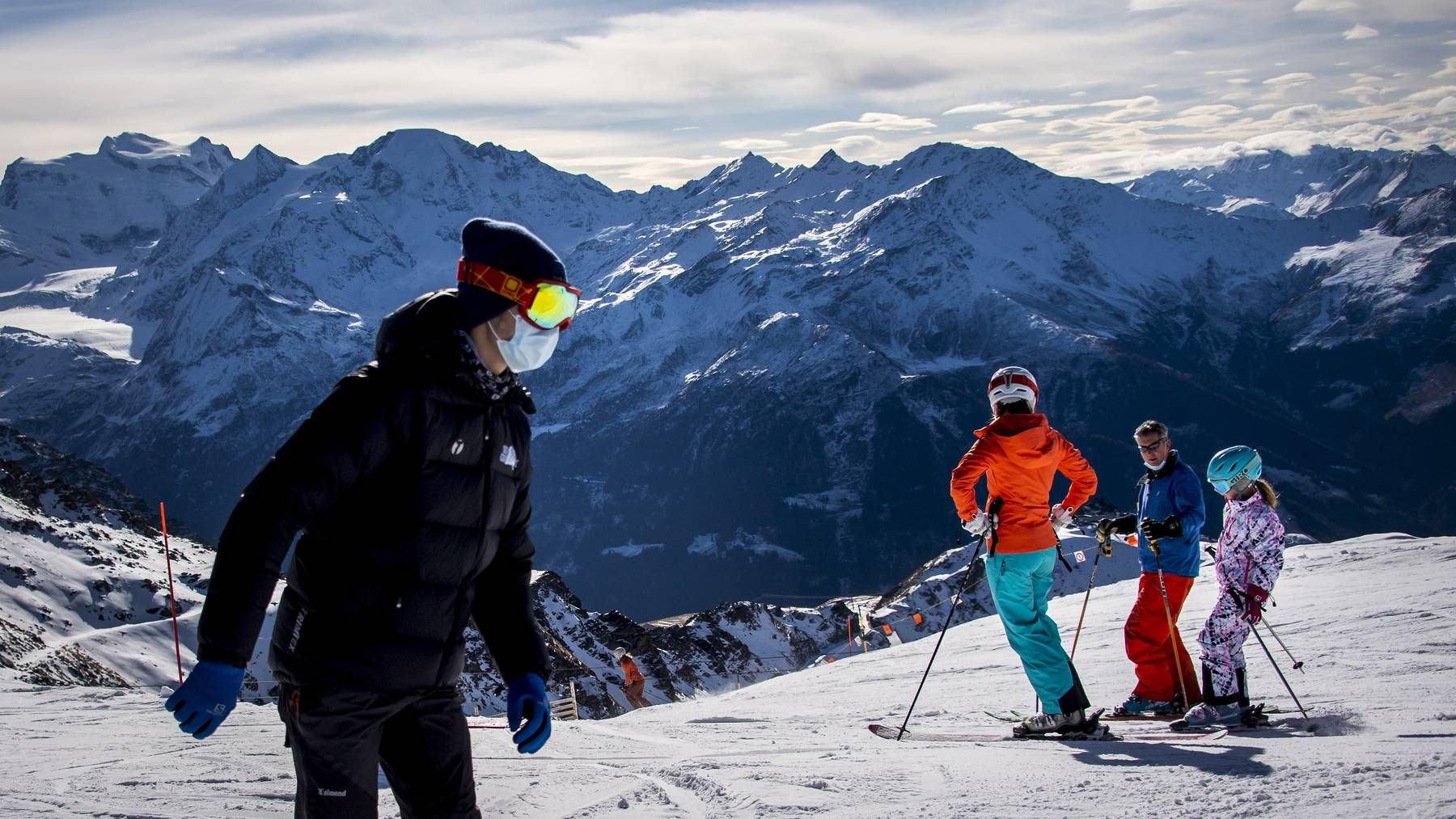 Franzosen, die zum Beispiel aus Verbier (im Symbolbild) von den Skiferien heimkehren, drohen Quarantäne oder Isolation.