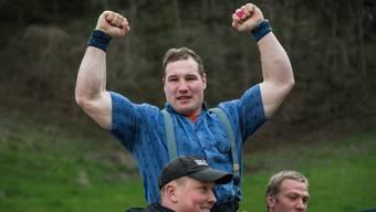 Gast Joel Wicki gewinnt das Kantonalschwingfest in Zofingen.in