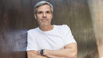Sebastian Baumgarten eröffnet mit Luigi Nonos «Al gran sole carico d'amore» die Saison am Theater Basel.