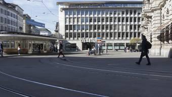 Sollte die Schweizer Stimmbevölkerung die Vollgeldinitiative annehmen, hätte das wahrscheinlich spürbare Auswirkungen auf den Schweizer Finanzplatz. (Symbolbild)