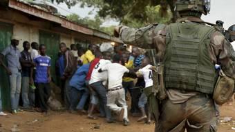In der zentralafrikanischen Stadt Bangassou wird gekämpft: Die Hilfsorganisation Ärzte ohne Grenzen fordert nun eine Waffenruhe. (Archivbild)