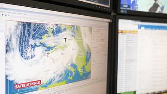 Der ausgedünnte Flugverkehr macht den Meteorologen Mühe. Da deutlich weniger geflogen wird, lassen die Messdaten an Güte zu wünschen übrig. (Archivbild)