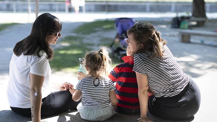 Zum ersten Mal hat ein Schweizer Gericht entschieden, dass eine Ex-Partnerin der leiblichen Mutter nach der Trennung Unterhalt bezahlen muss. (Symbolbild)