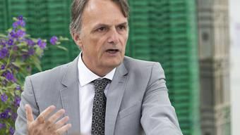 Staatssekretär Mario Gattiker unterzeichnet am Freitag-Vormittag in Brüssel ein Zusatzprotokoll.