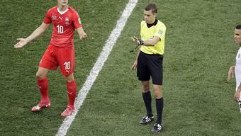Die Schweden wissen, dass Granit Xhaka in England schon mehr als einmal die Rote Karte sah. Sie wollen den Schweizer Spielmacher provozieren.