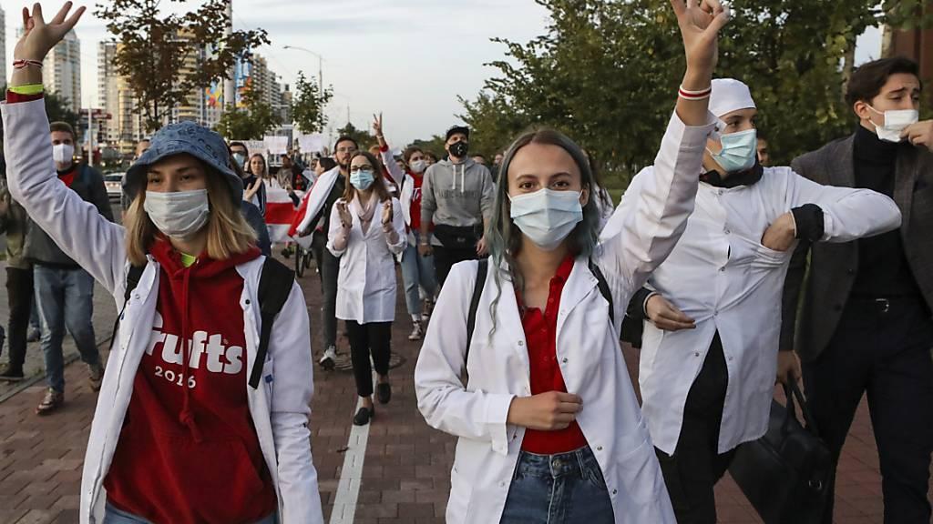 Ärzte kämpfen gegen Corona und «Diktator» Lukaschenko