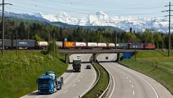 Die Coronakrise stellt die schweizerischen Verlagerungspolitik in Frage.